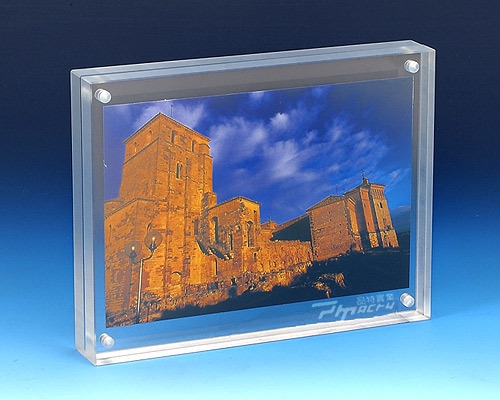Hot Sale Acrylic Photo Frames Exporter